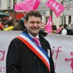 Plainte contre un maire refusant de marier les couples homos